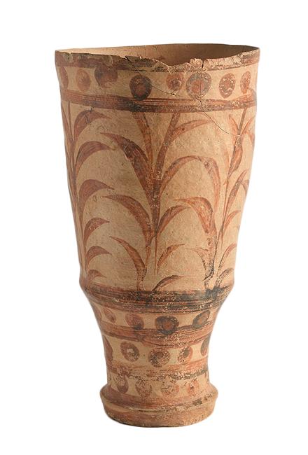 Πήλινο ρυτό με διακόσμηση καλαμοειδών, Ζώμινθος, περ. 1700-1450 π.Χ.