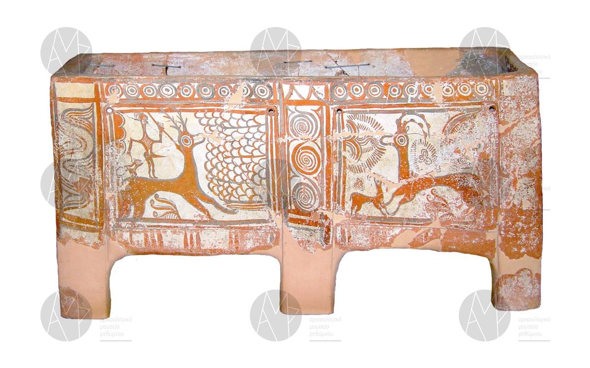 Λάρνακα από τον τάφο 24 των Αρμένων, με πολύχρωμη διακόσμηση περ. 1450-1200 π.Χ